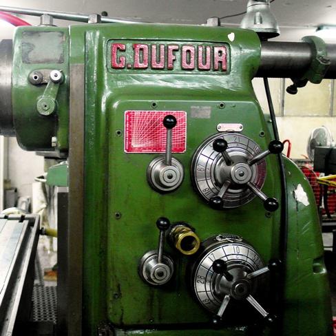 CNC milling machine (details)