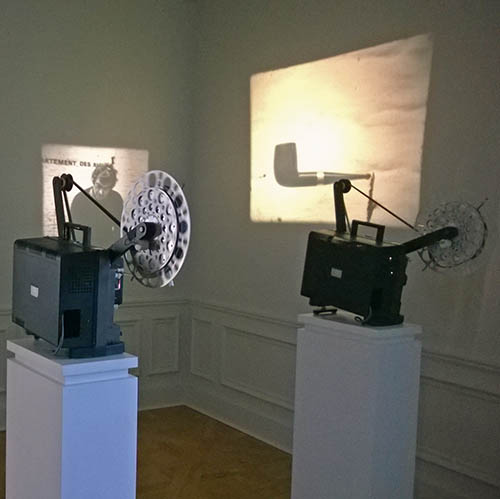 pipe, camera, Marcel Broodthaers
